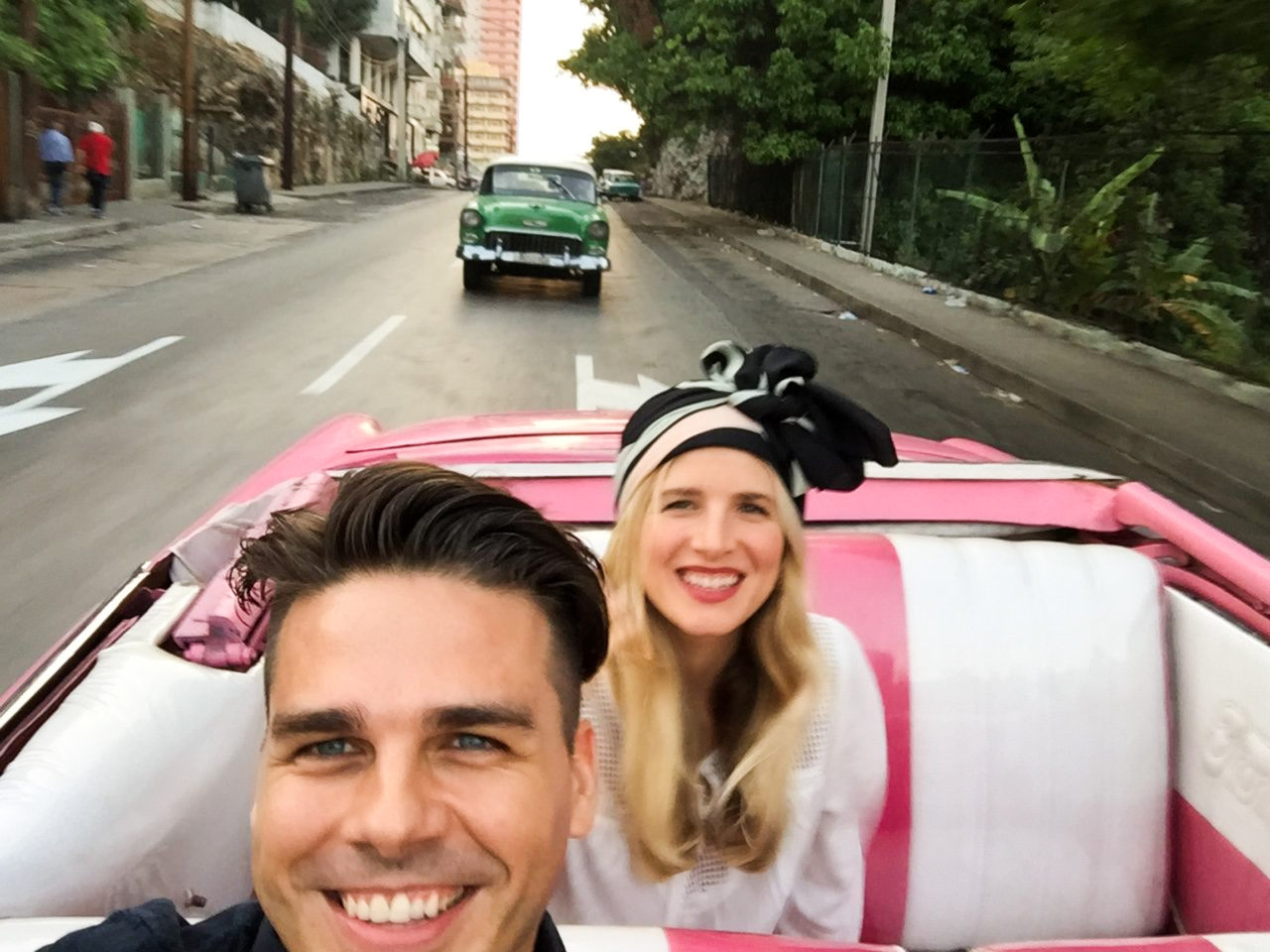 Mrkate_cubaOutfit_RidingCar (1 of 1)