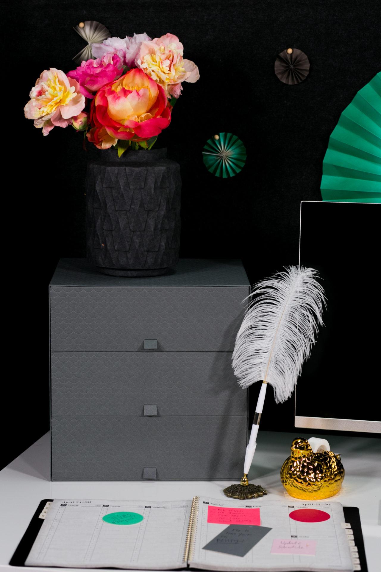 mrkate_cubicle_3ways_blog-160