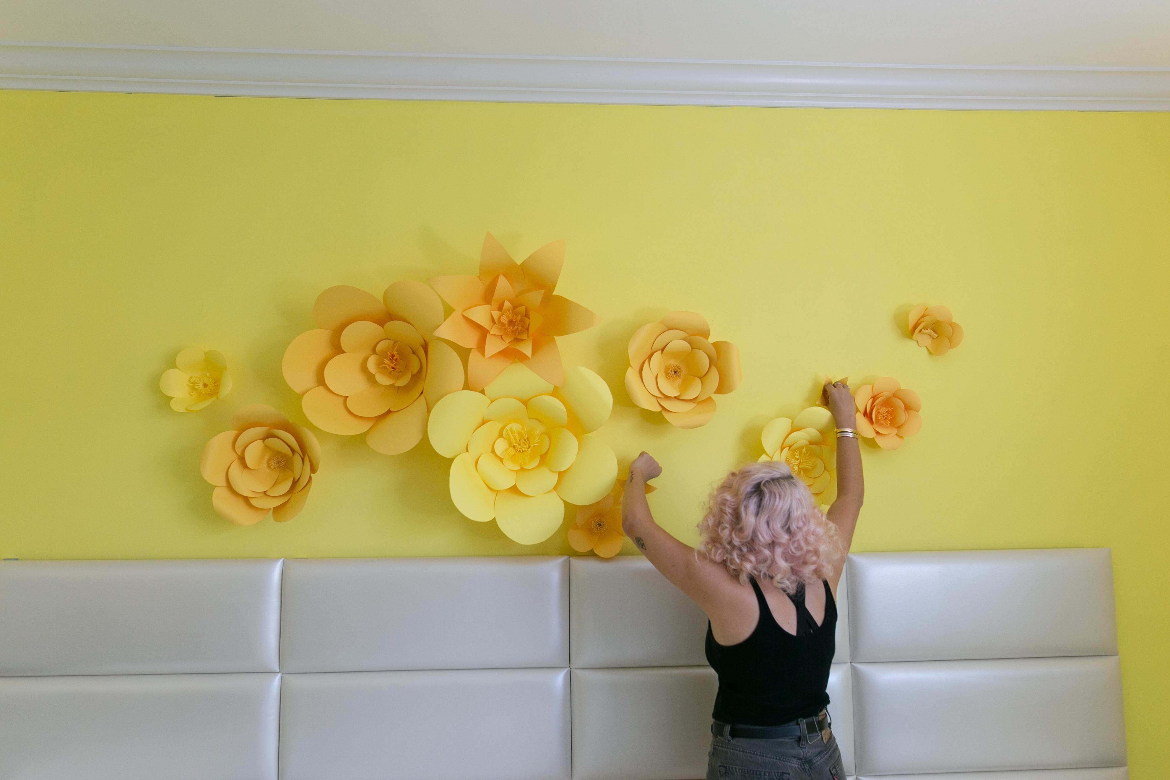 Mr. Kate - DIY Giant Paper Flowers