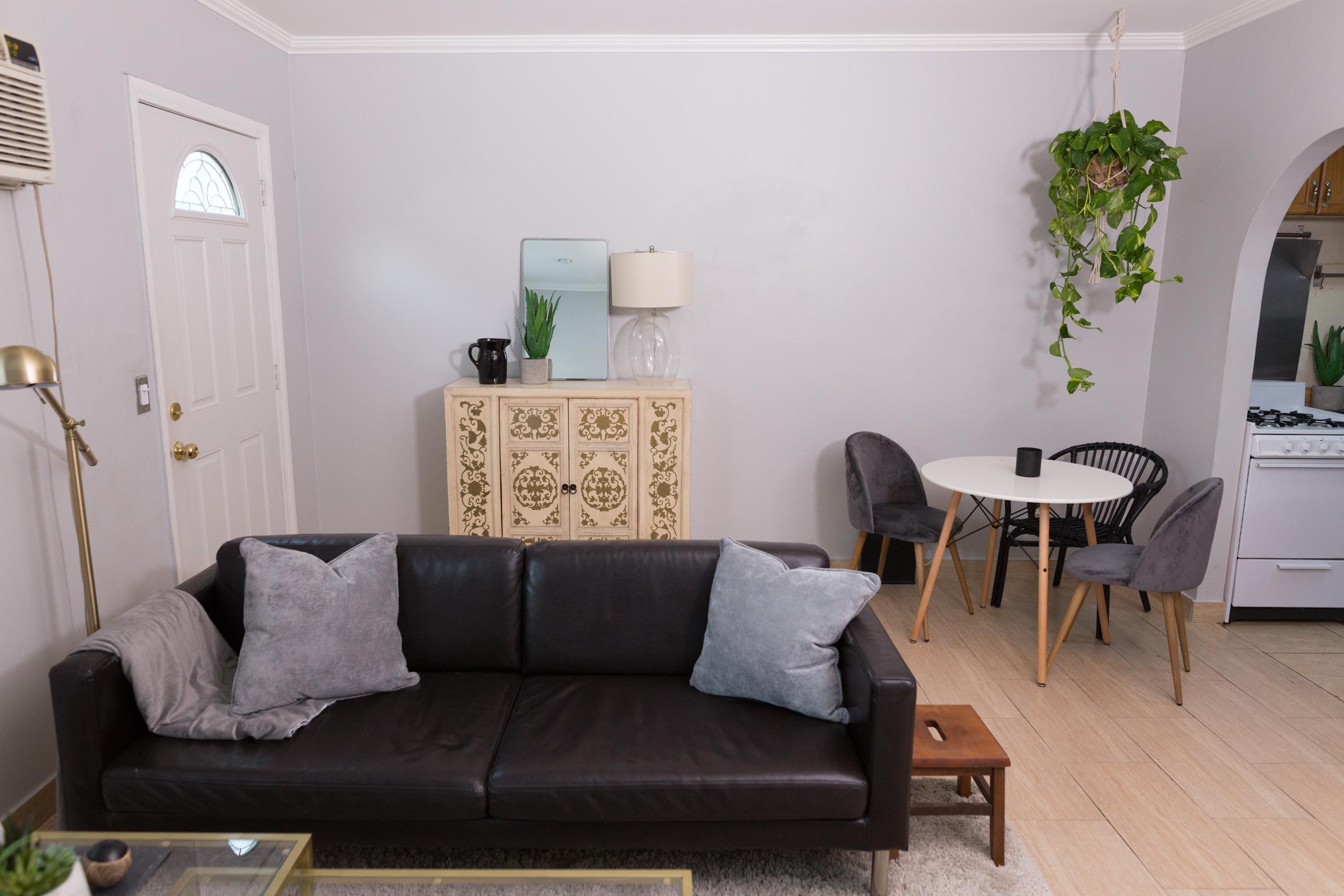 Mr kate tumblr minimalist living room on a budget for Minimalist living on a budget