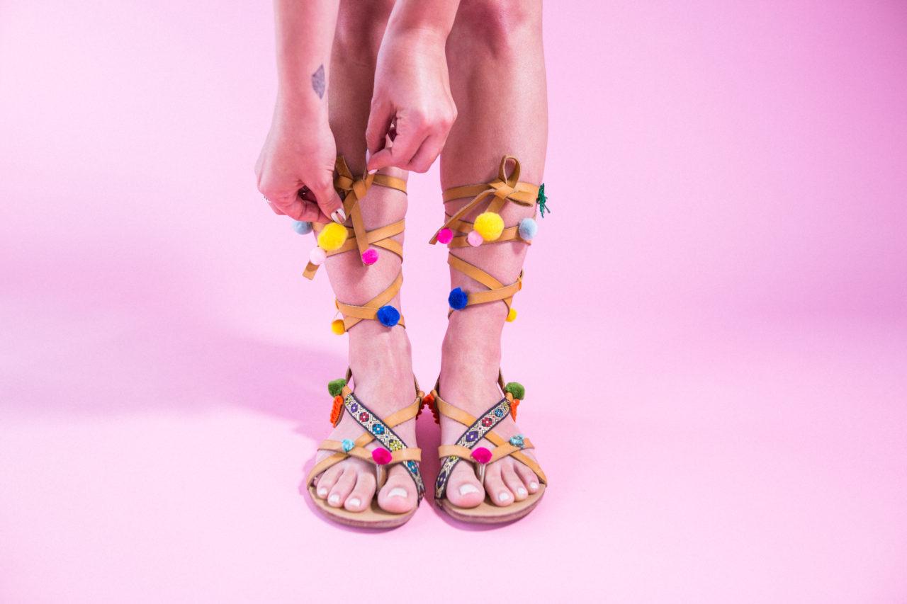 MrKate_DIY_pompom_Shoes_Blog (12 of 16)