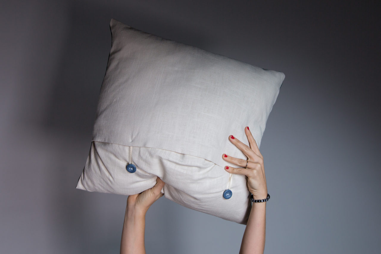 pillow_diy_mrkate_extras-10