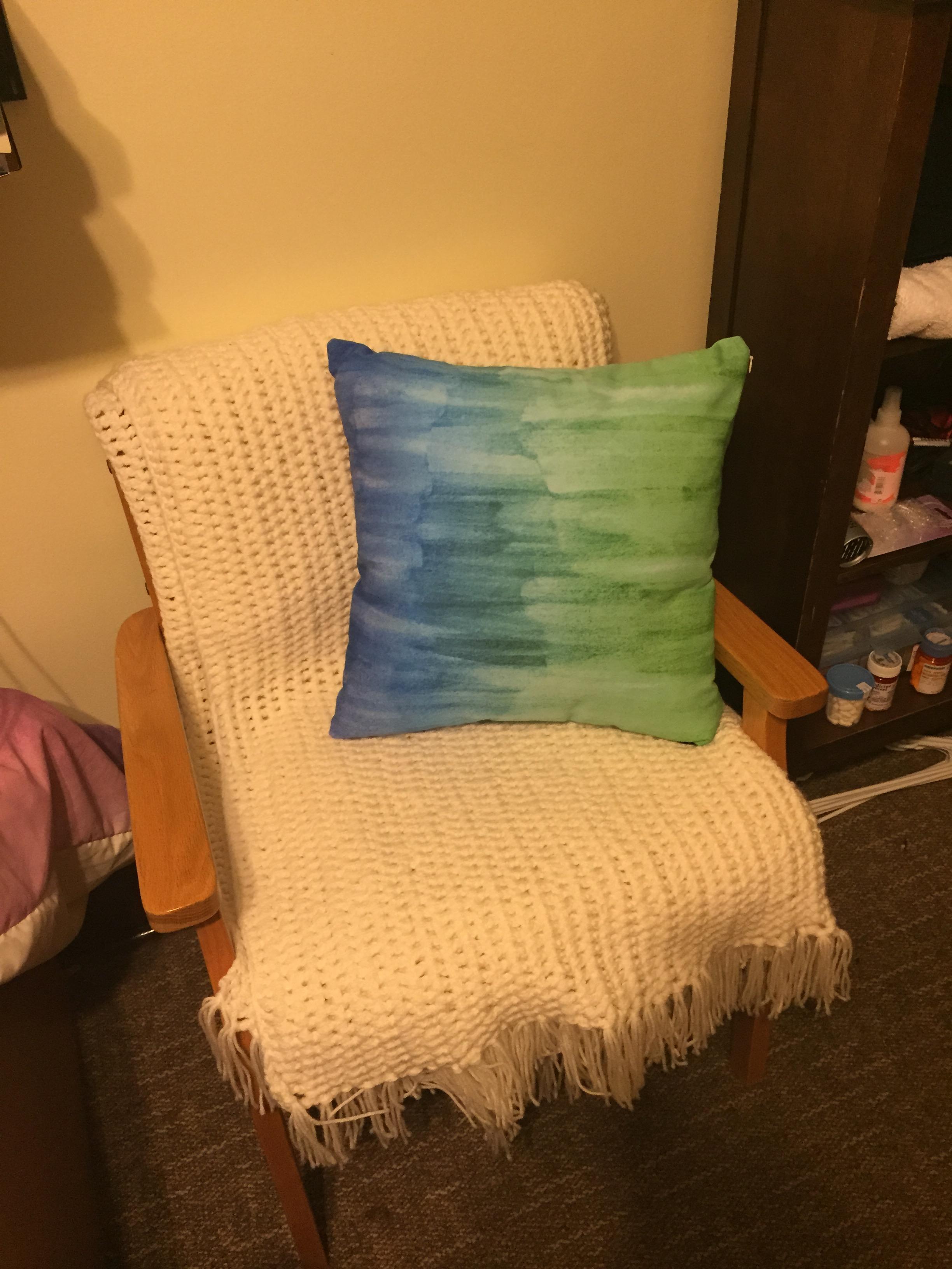 Pretty Lounge Chair